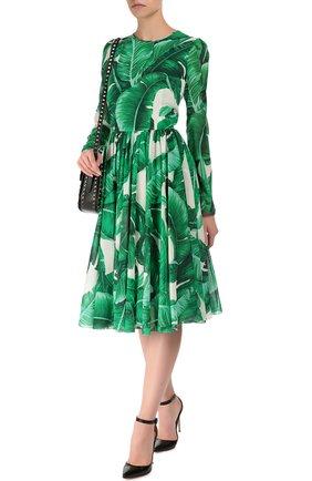 Приталенное шелковое платье с длинным рукавом и круглым вырезом Dolce & Gabbana зеленое | Фото №2