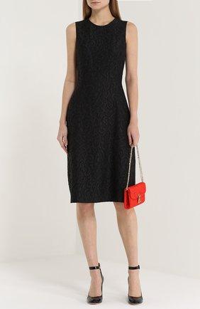 Кружевное приталенное платье без рукавов | Фото №2