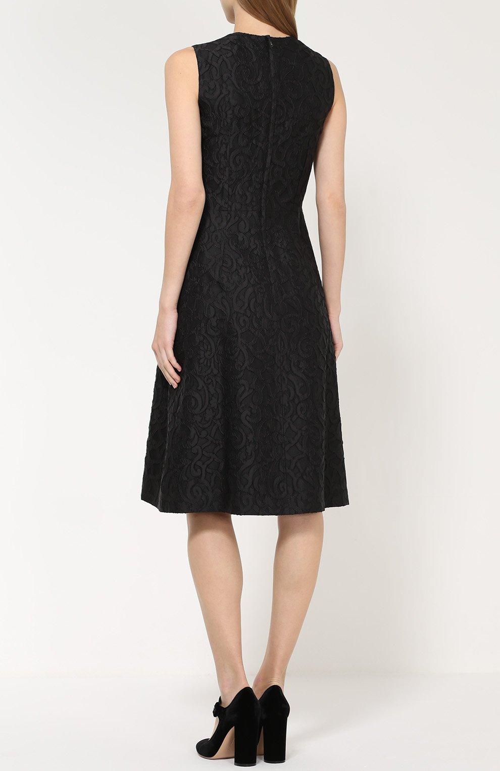 Кружевное приталенное платье без рукавов | Фото №4