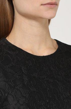 Кружевное приталенное платье без рукавов | Фото №5
