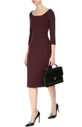 Платье-футляр с укороченным рукавом и вырезом-лодочка Dolce & Gabbana бордовое | Фото №2