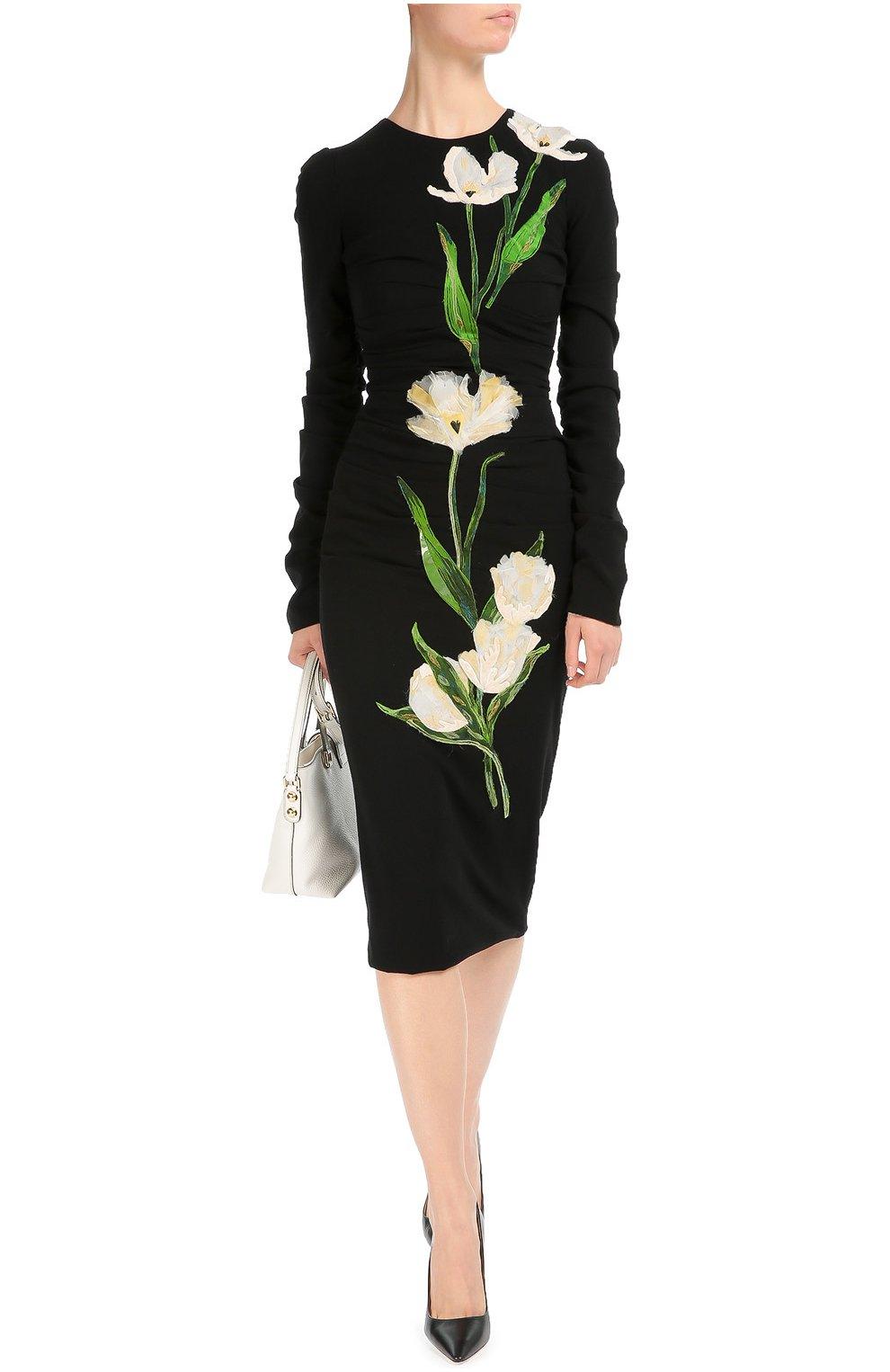 Платье-футляр с длинным рукавом и цветочной отделкой | Фото №2
