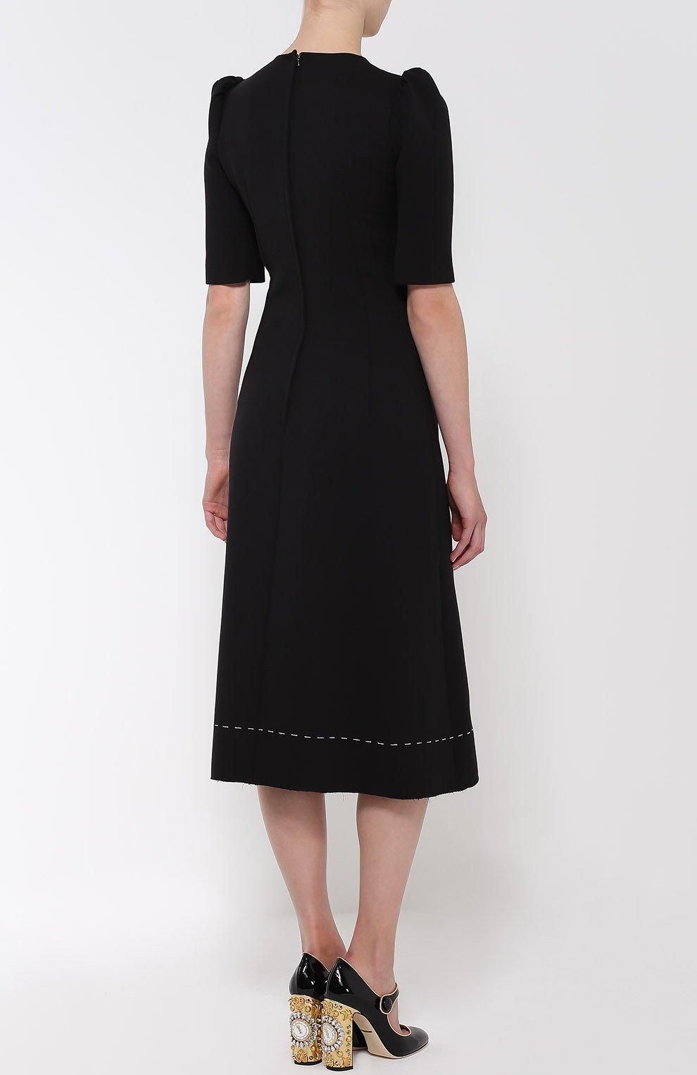 Приталенное платье с рукавом-фонарик и декоративной отделкой   Фото №4