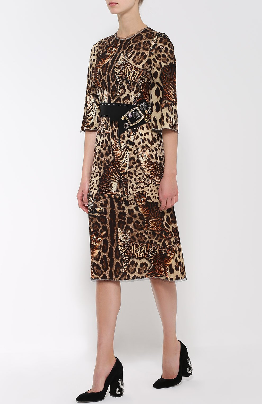 Приталенное платье с коротким рукавом и звериным принтом Dolce & Gabbana коричневое | Фото №2
