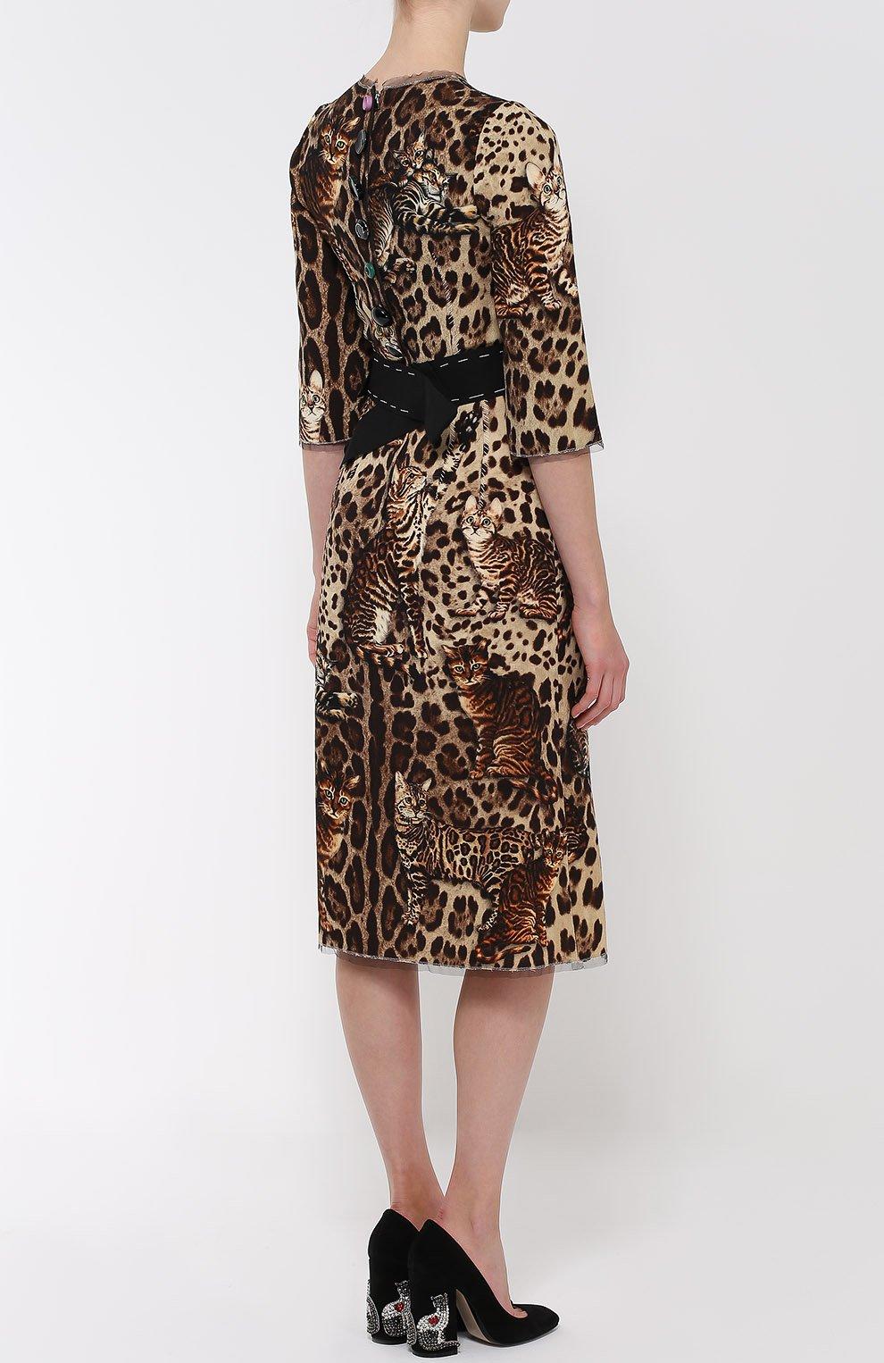 Приталенное платье с коротким рукавом и звериным принтом Dolce & Gabbana коричневое | Фото №4