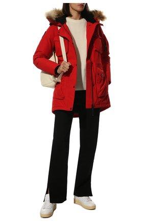 Женский пуховик с накладными карманами и меховой отделкой ARCTIC EXPLORER красного цвета, арт. UMI_RED | Фото 2