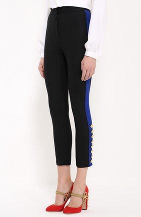 Укороченные брюки-скинни с контрастными лампасами | Фото №3