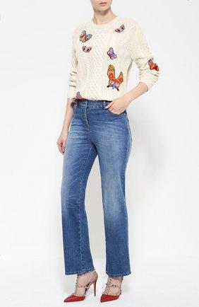 Женские джинсы прямого кроя с шипами и декоративными потертостями VALENTINO синего цвета, арт. LB3DD03B/2Q0   Фото 2