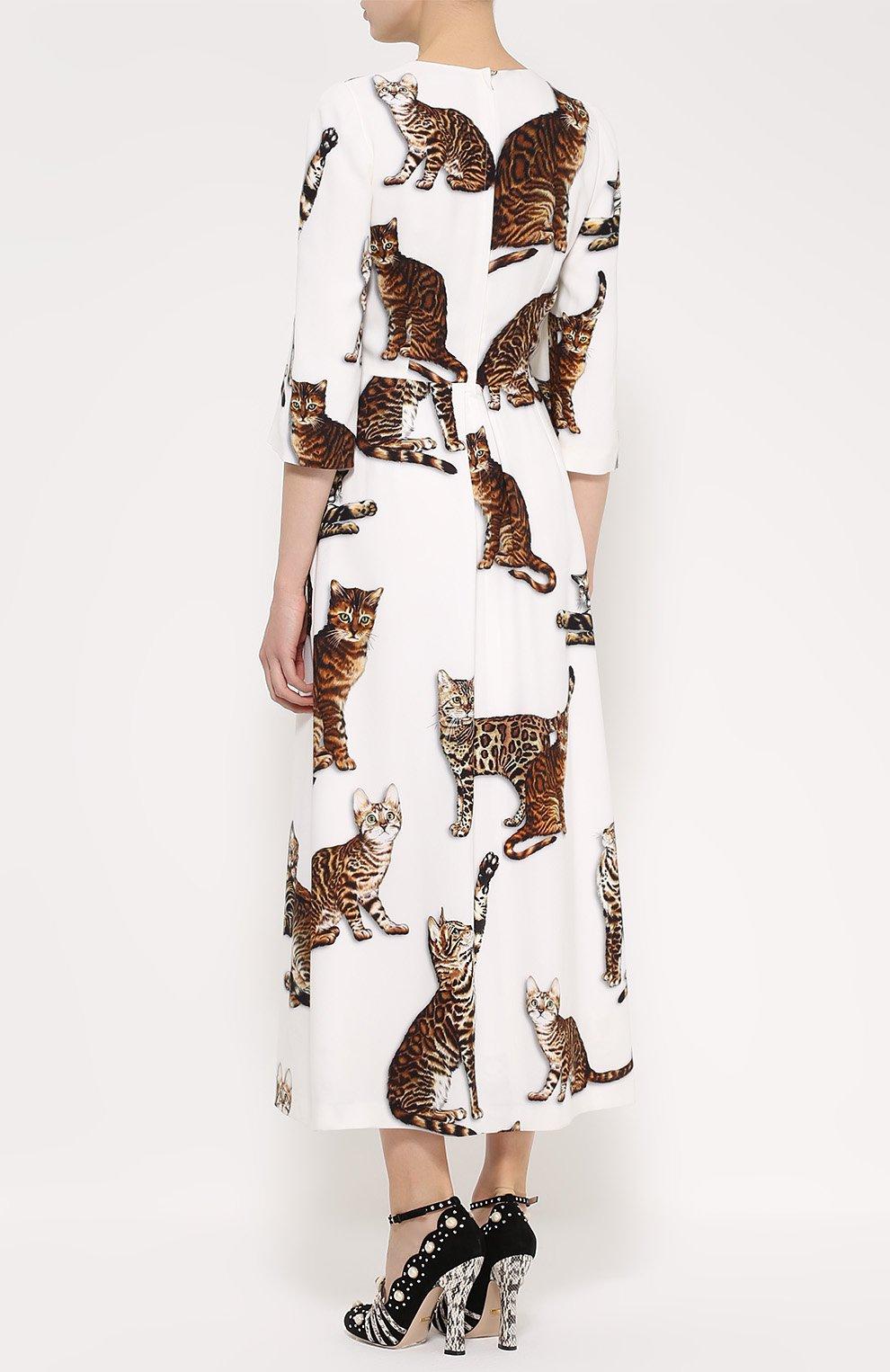 Приталенное платье-макси с принтом в виде кошек Dolce & Gabbana белое | Фото №4