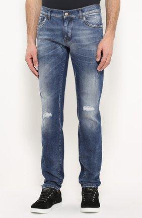 Зауженные джинсы с потертостями и вышивкой | Фото №3