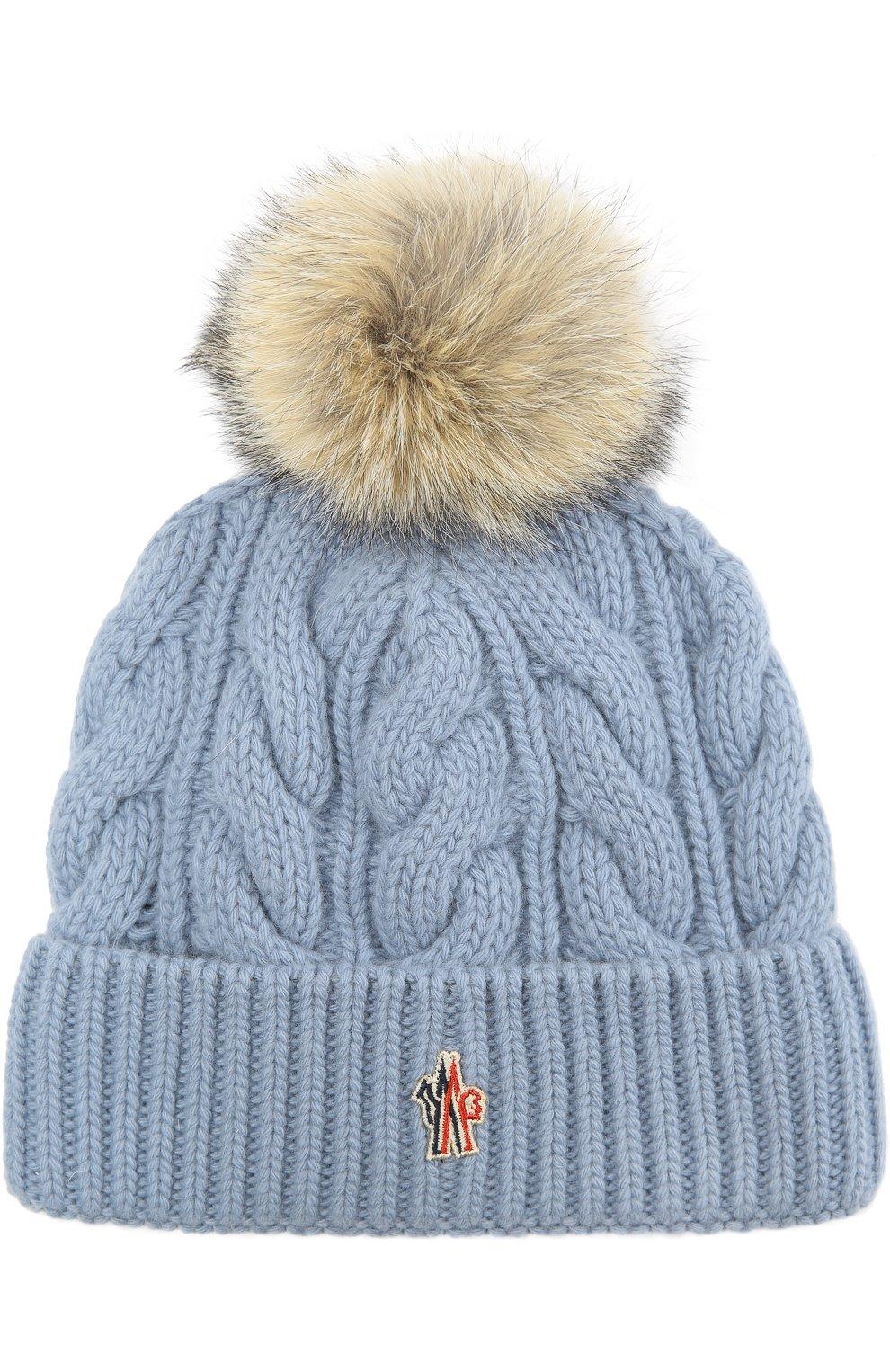 вязаная шапка с меховым помпоном Moncler голубого цвета купить за