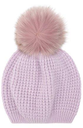 Кашемировая шапка с помпоном из меха енота | Фото №1