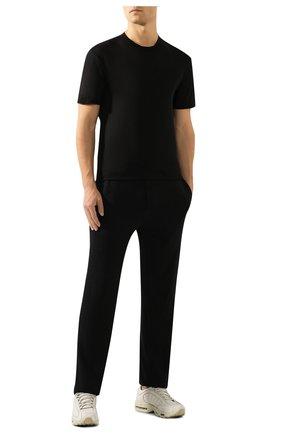 Мужская хлопковая футболка JAMES PERSE черного цвета, арт. MKJ3360   Фото 2 (Принт: Без принта; Рукава: Короткие; Длина (для топов): Удлиненные; Материал внешний: Хлопок; Стили: Кэжуэл; Статус проверки: Проверена категория)