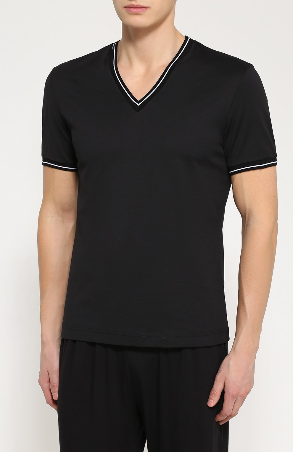 Хлопковая футболка с V-образным вырезом Dolce & Gabbana черная | Фото №3