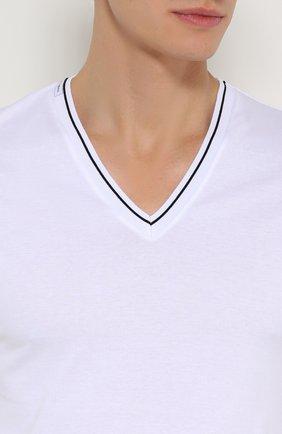 Хлопковая футболка с V-образным вырезом Dolce & Gabbana белая | Фото №5