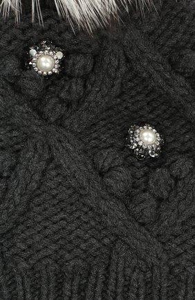 Кашемировая шапка с меховым помпоном и стразами Dolce & Gabbana серого цвета | Фото №2