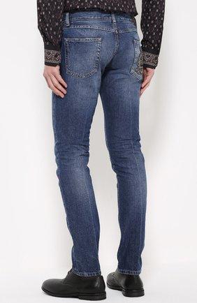 Зауженные джинсы с потертостями | Фото №4