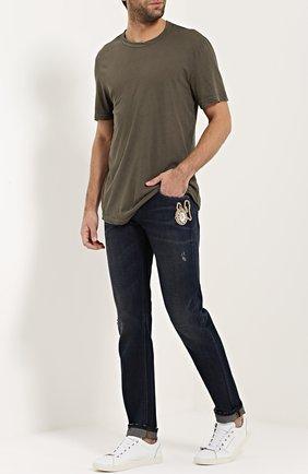 Зауженные джинсы с потертостями и вышивкой Dolce & Gabbana синие | Фото №2