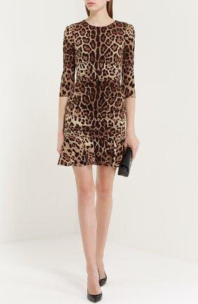 Шелковое мини-платье с драпировкой и леопардовым принтом Dolce & Gabbana коричневое   Фото №2