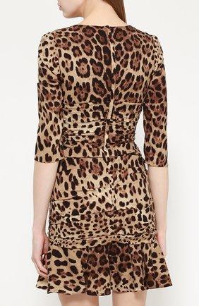 Шелковое мини-платье с драпировкой и леопардовым принтом Dolce & Gabbana коричневое   Фото №4