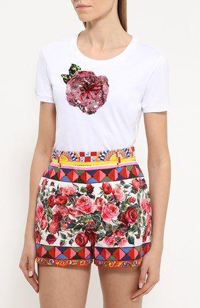 Приталенная футболка с контрастной вышивкой пайетками | Фото №3