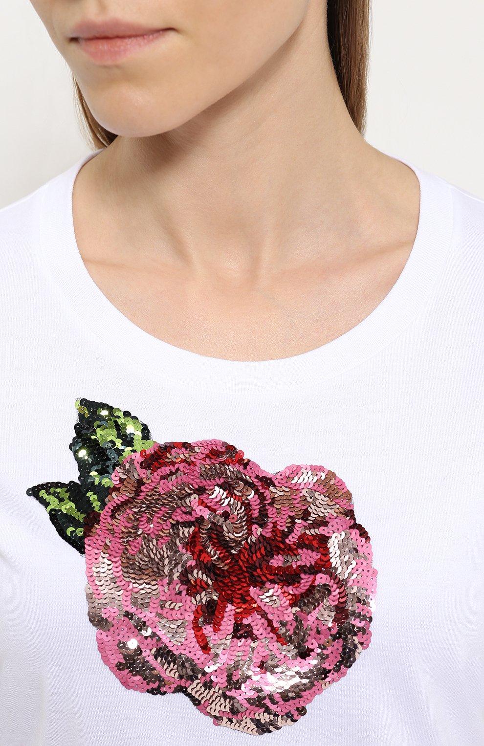 Приталенная футболка с контрастной вышивкой пайетками | Фото №5