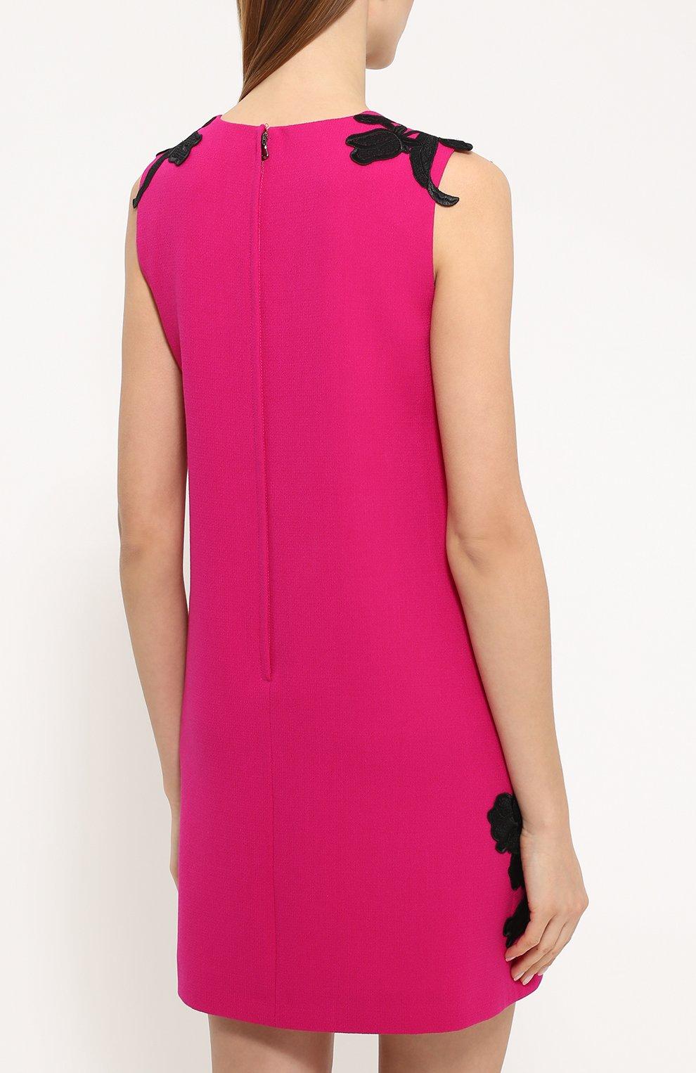 Мини-платье прямого кроя с контрастной цветочной отделкой Dolce & Gabbana фуксия | Фото №4