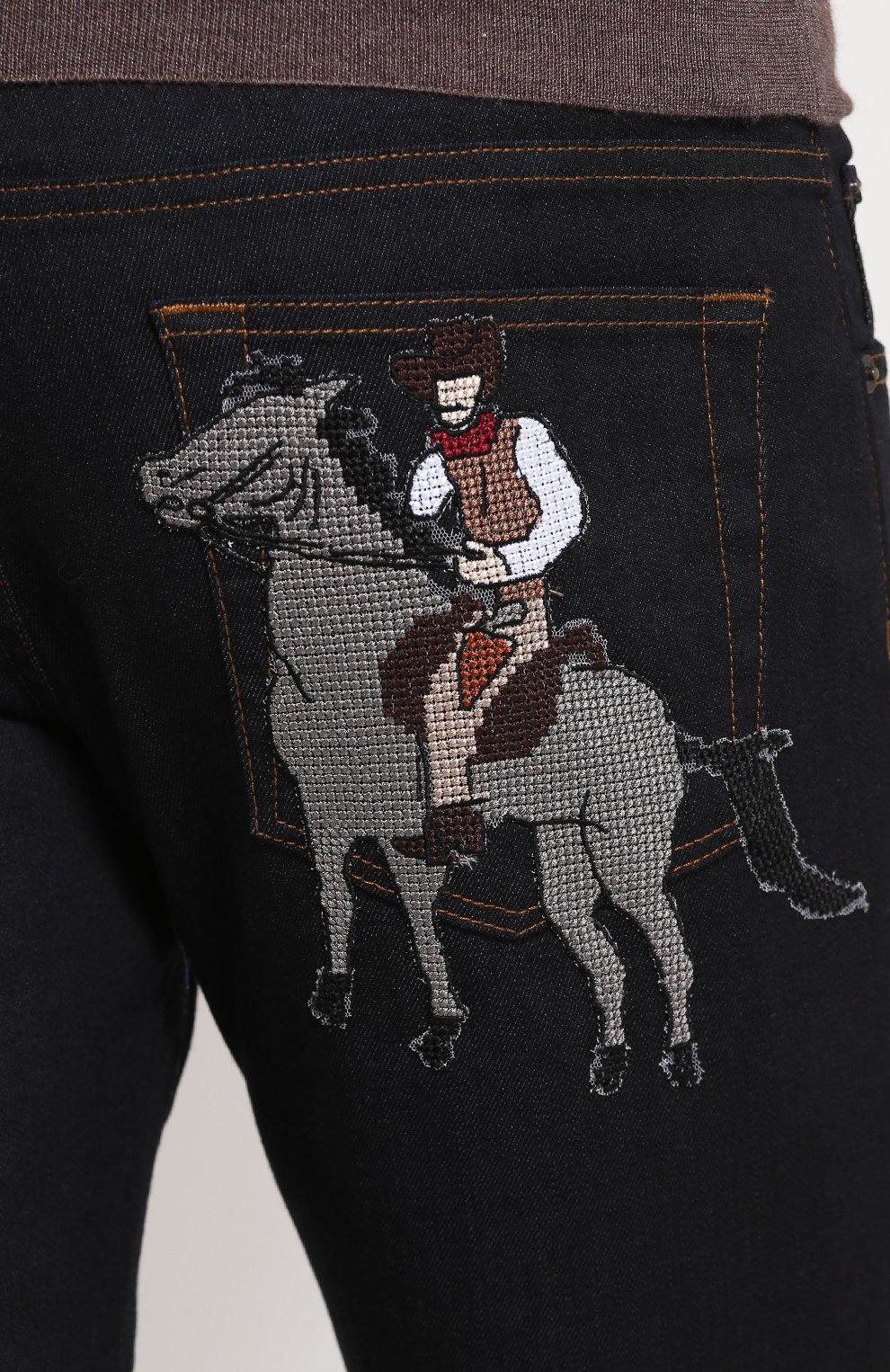 Зауженные джинсы с контрастной прострочкой и аппликацией Dolce & Gabbana синие | Фото №5