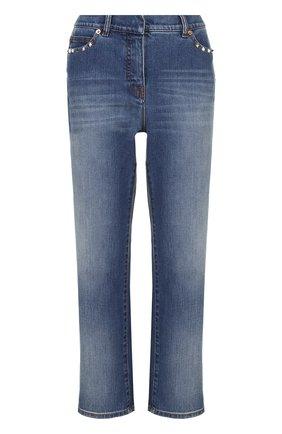 Женские укороченные расклешенные джинсы с шипами VALENTINO голубого цвета, арт. MB3DD03G/2PY | Фото 1