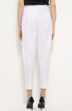 Укороченные брюки-бананы с защипами Dolce & Gabbana белые   Фото №4