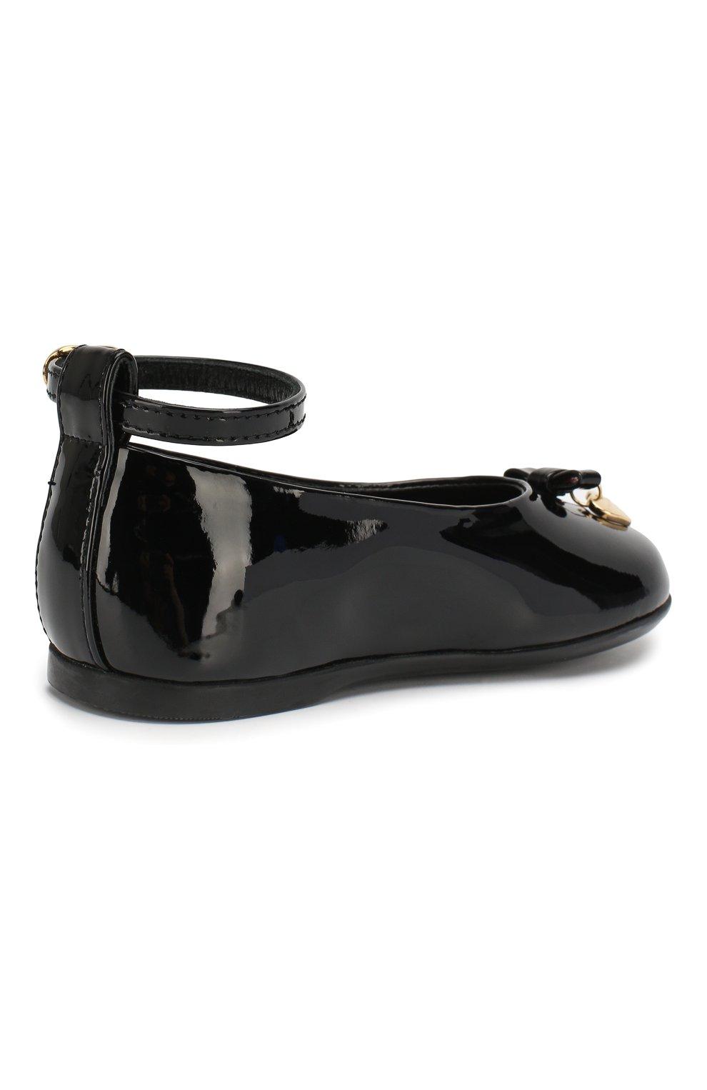 Детские лаковые туфли с бантом и подвеской Dolce & Gabbana черного цвета | Фото №3