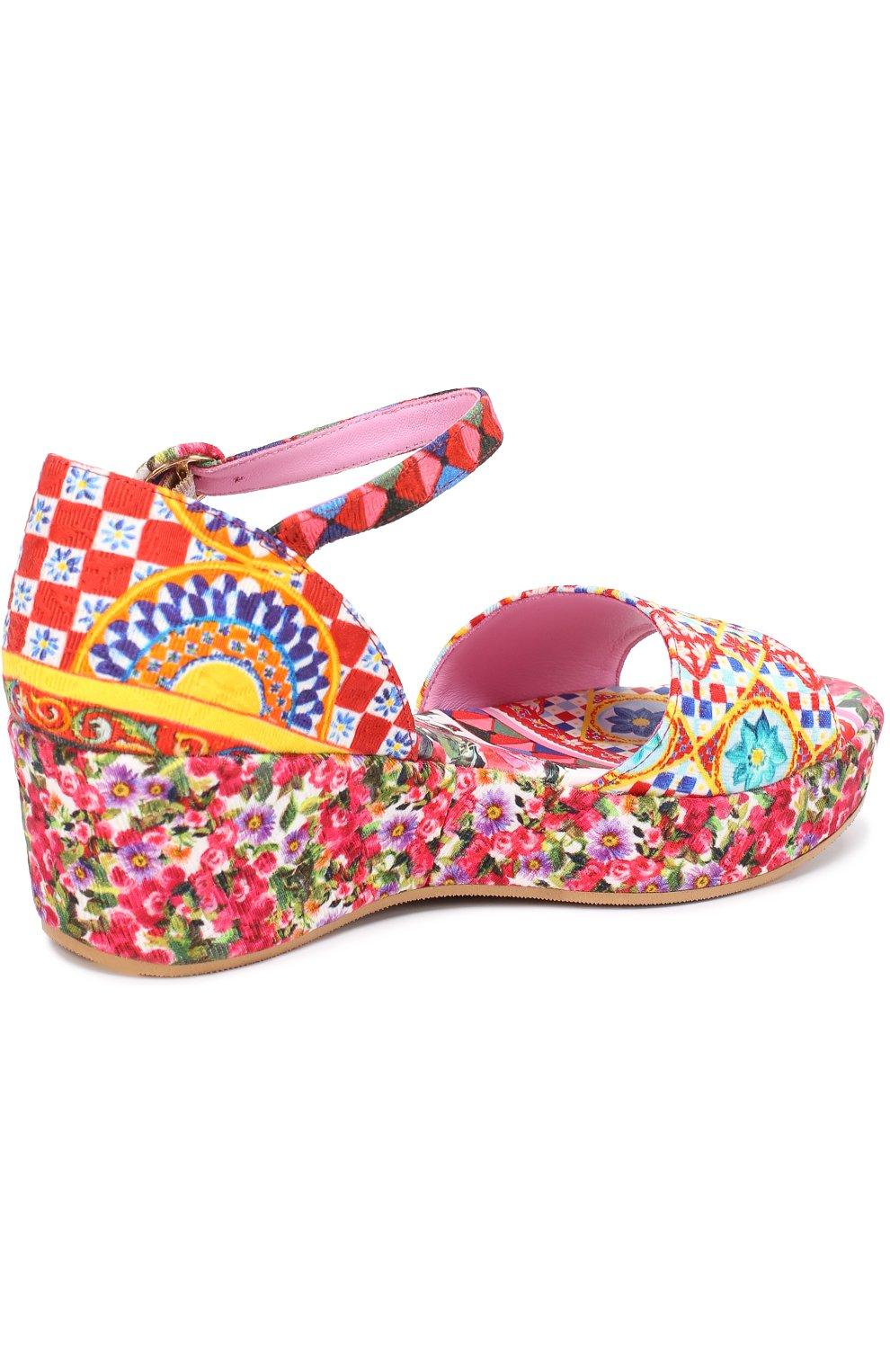 Детские босоножки с принтом на танкетке Dolce & Gabbana разноцветного цвета   Фото №3