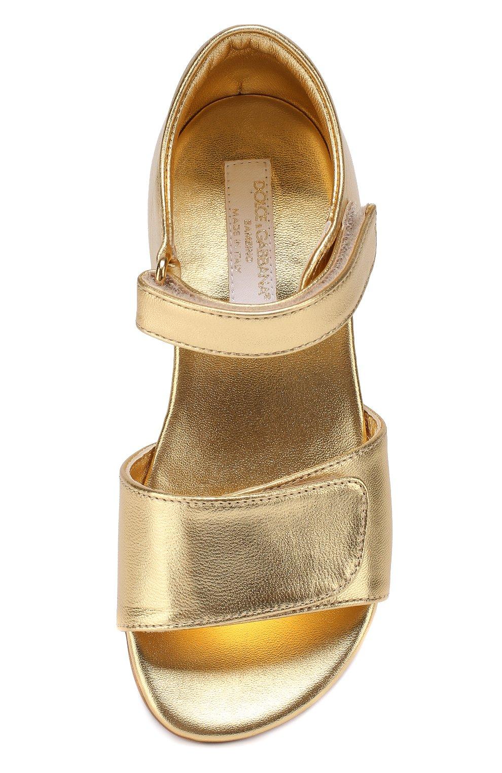 Детские босоножки из металлизированной кожи Dolce & Gabbana золотого цвета | Фото №4