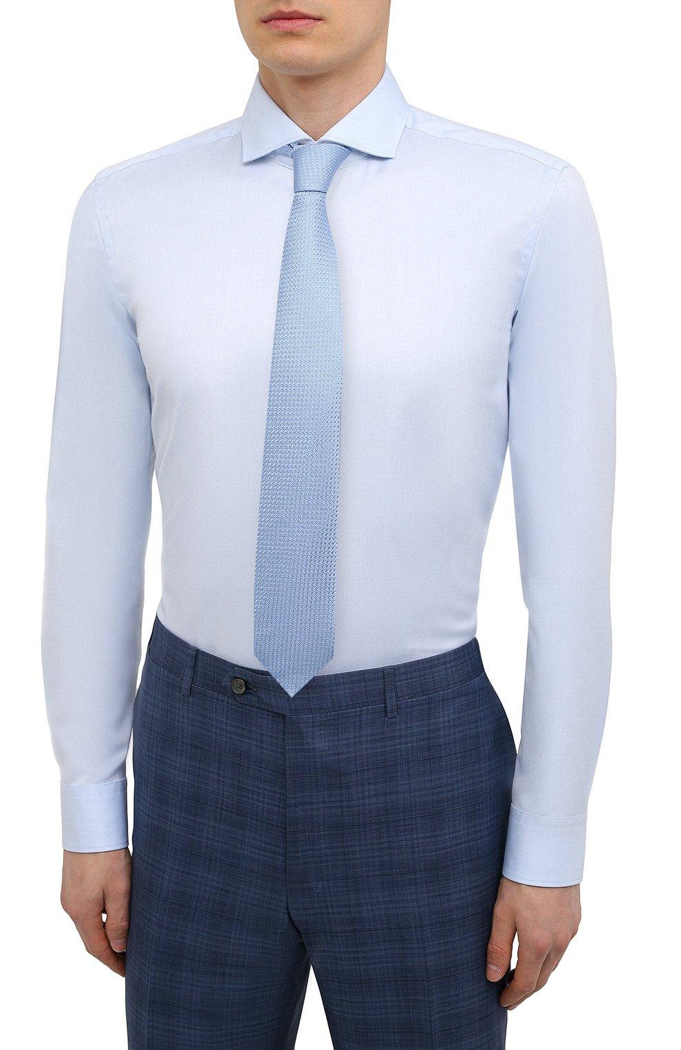 Мужская хлопковая сорочка HUGO голубого цвета, арт. 50289491   Фото 4 (Манжеты: На пуговицах; Рукава: Длинные; Воротник: Акула; Длина (для топов): Стандартные; Материал внешний: Хлопок; Случай: Формальный; Принт: Однотонные)