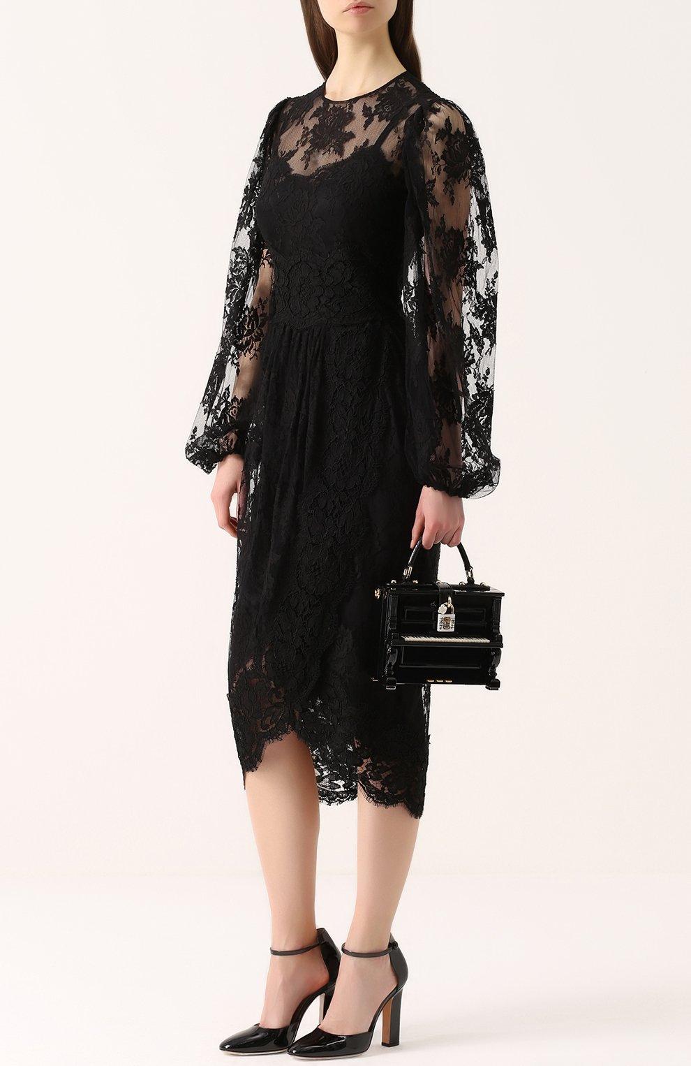 Приталенное кружевное платье с широкими рукавами | Фото №2