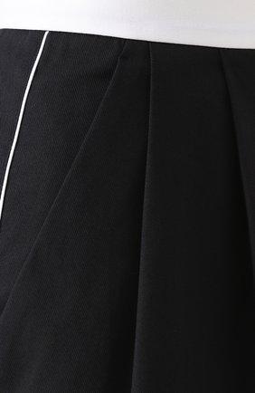 Мини-шорты с защипами и контрастным поясом Dolce & Gabbana синие   Фото №5