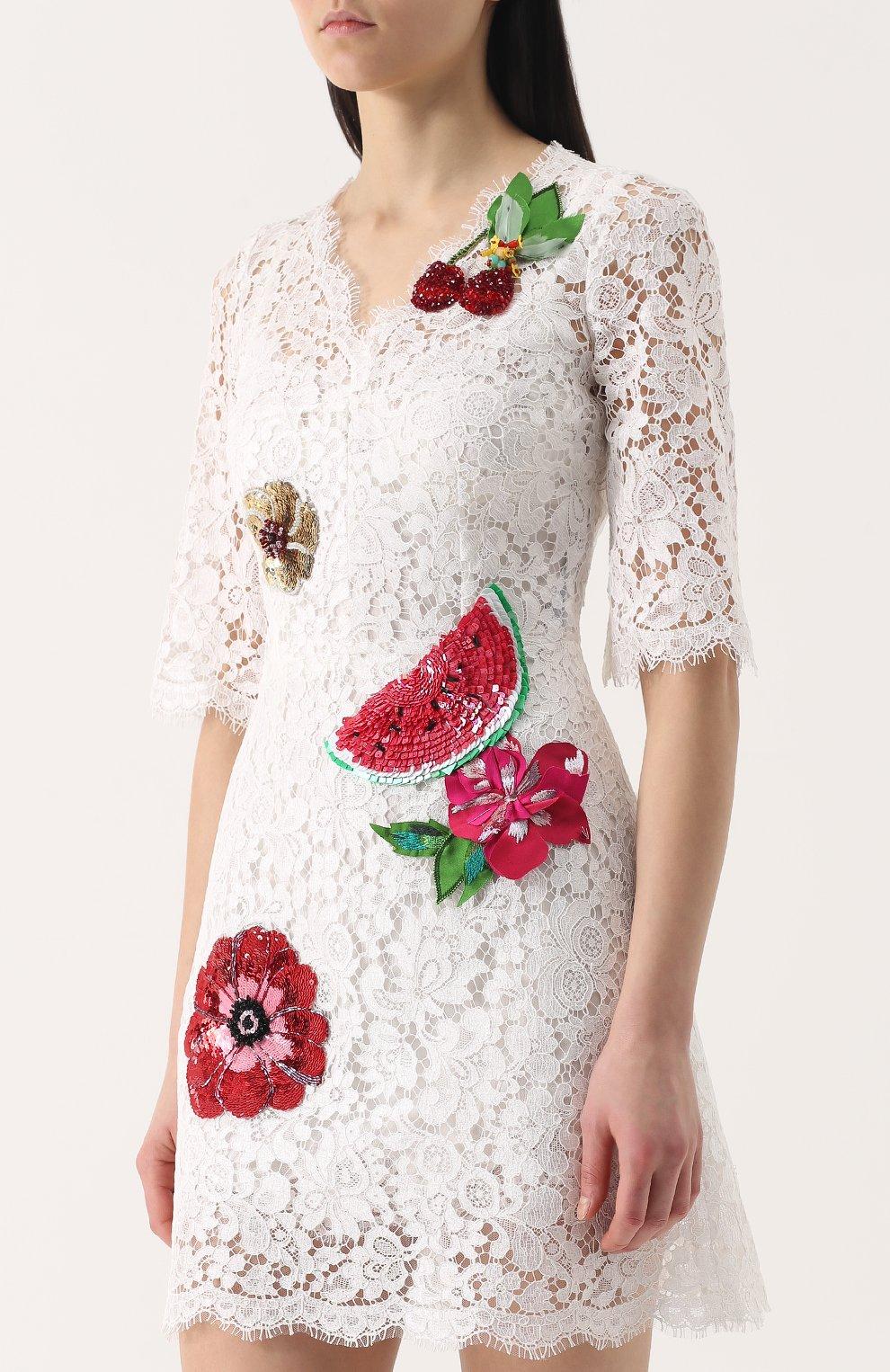 Кружевное мини-платье с контрастной отделкой | Фото №3
