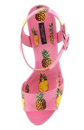 Комбинированные босоножки с принтом на танкетке Dolce & Gabbana розовые | Фото №5