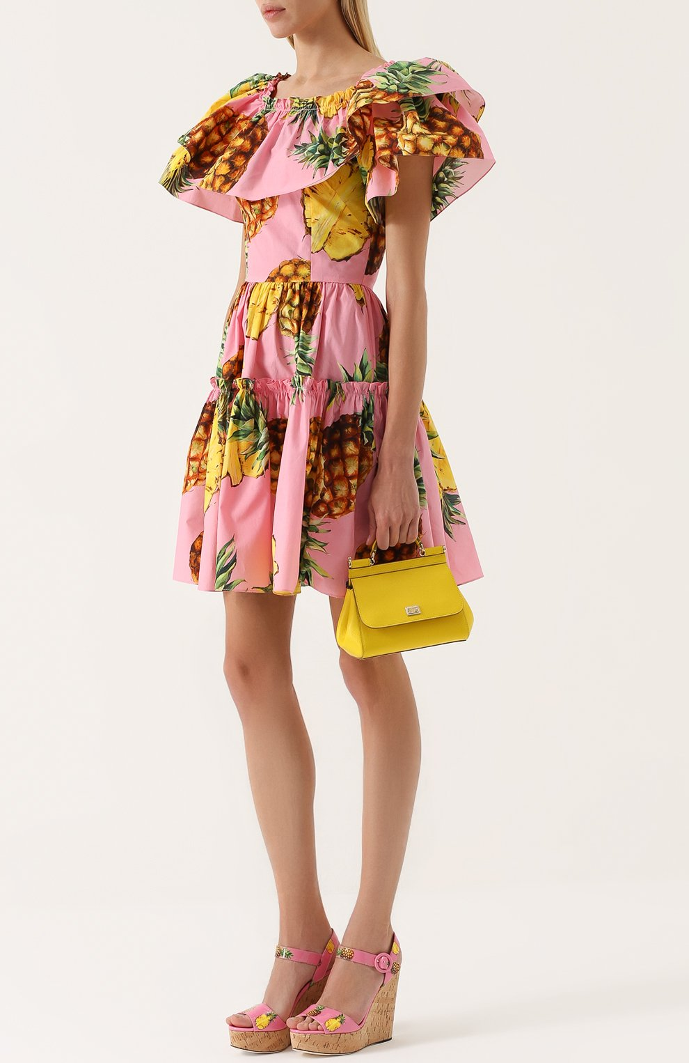 Приталенное мини-платье с оборками и ярким принтом | Фото №2