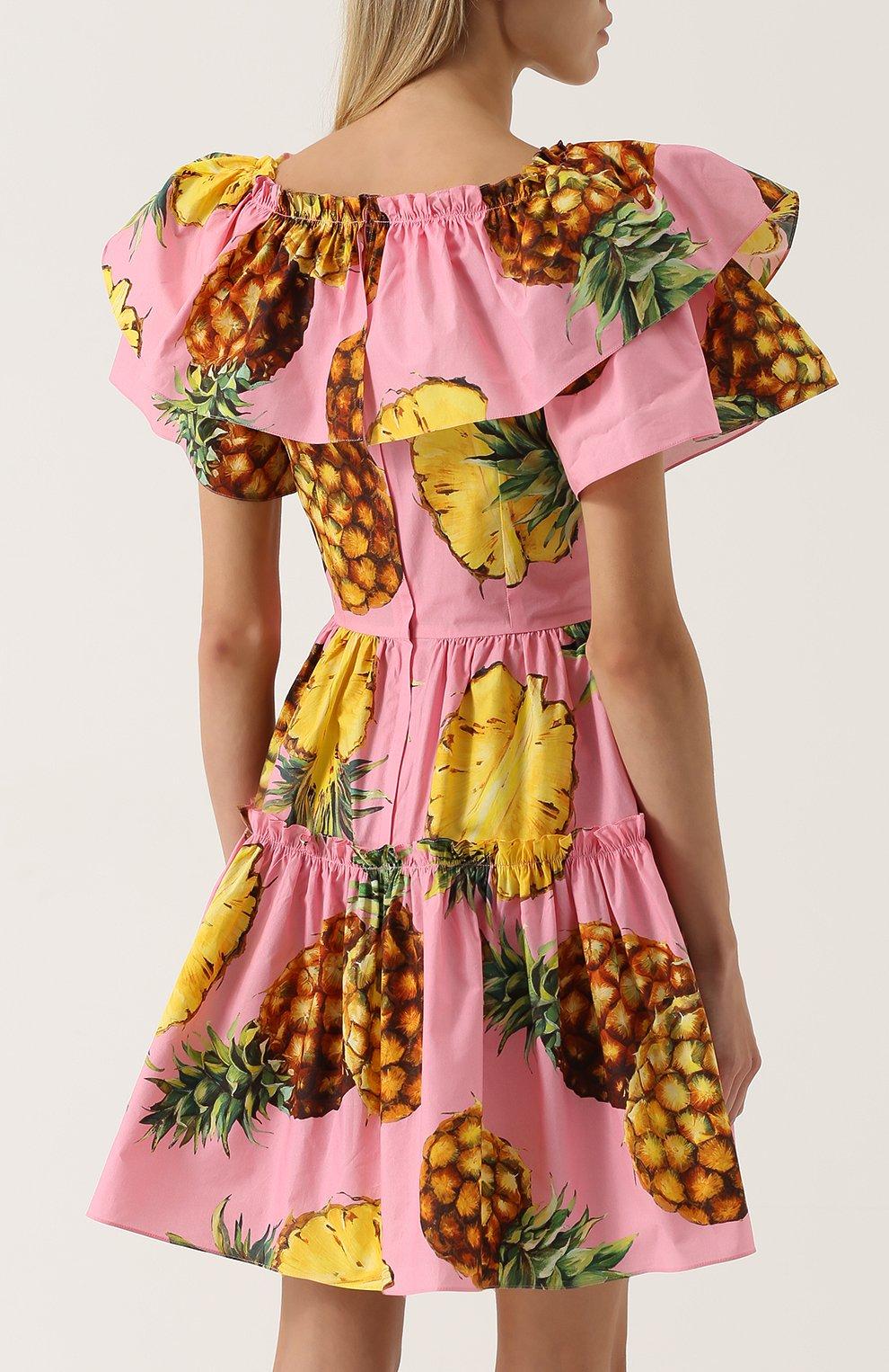 Приталенное мини-платье с оборками и ярким принтом | Фото №4