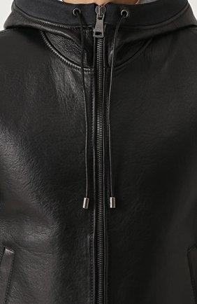 Кожаный бомбер на молнии с капюшоном | Фото №5