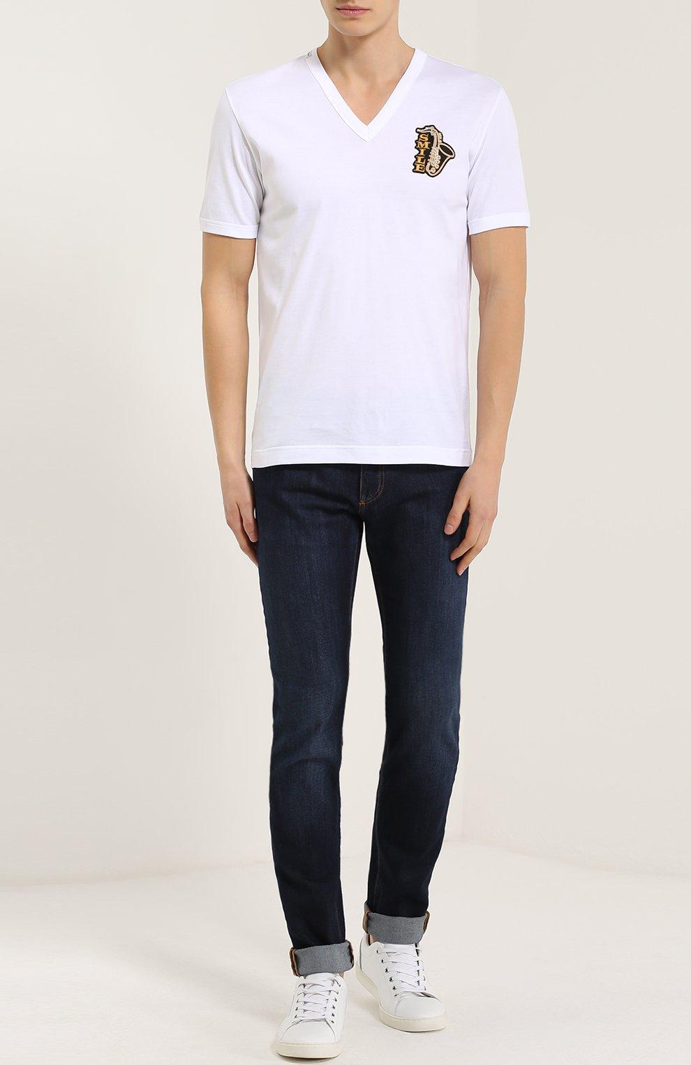 Хлопковая футболка с V-образным вырезом и аппликацией Dolce & Gabbana белая | Фото №2