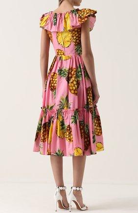 Приталенное платье-миди с ярким принтом и оборками Dolce & Gabbana розовое | Фото №4