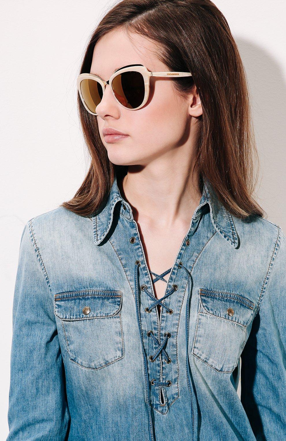 Женские солнцезащитные очки DOLCE & GABBANA бежевого цвета, арт. 4304-3084F9 | Фото 2