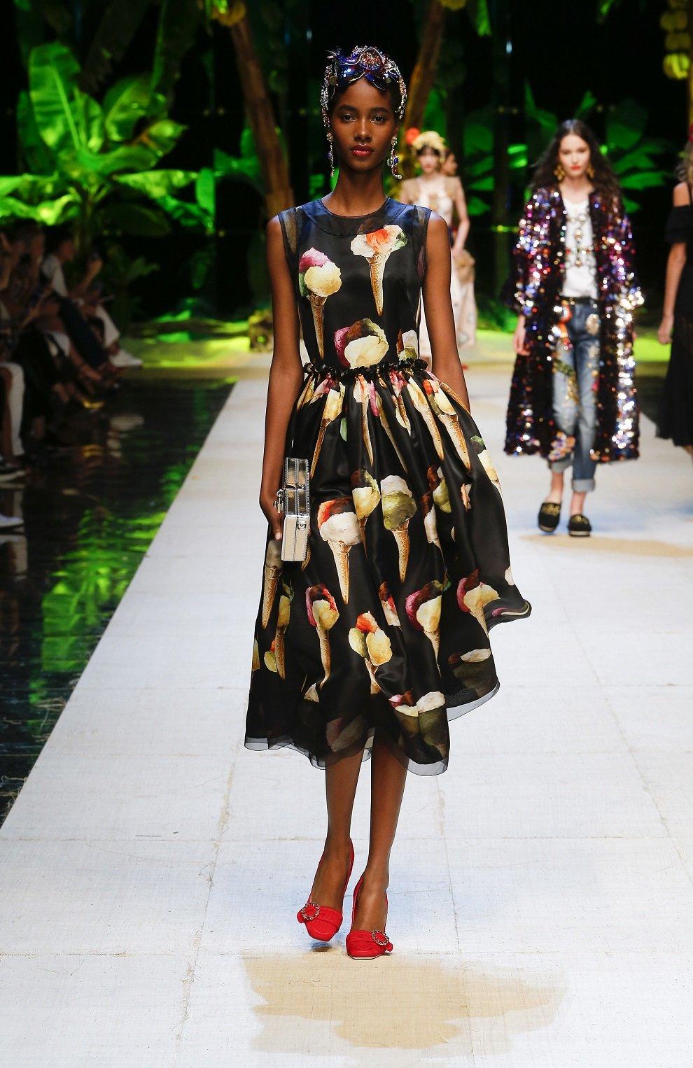 Шелковое приталенное платье с принтом в виде мороженого Dolce & Gabbana желтое   Фото №6