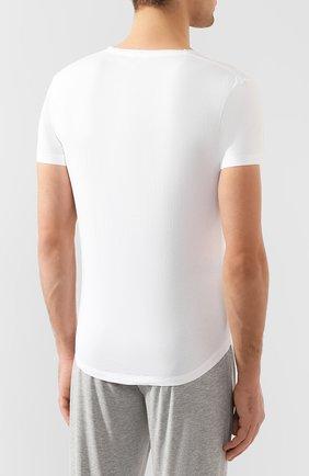 Мужская хлопковая футболка с v-образным вырезом ORLEBAR BROWN белого цвета, арт. 259687 | Фото 4 (Принт: Без принта; Рукава: Короткие; Длина (для топов): Стандартные; Материал внешний: Хлопок; Статус проверки: Проверено, Проверена категория; Стили: Кэжуэл)