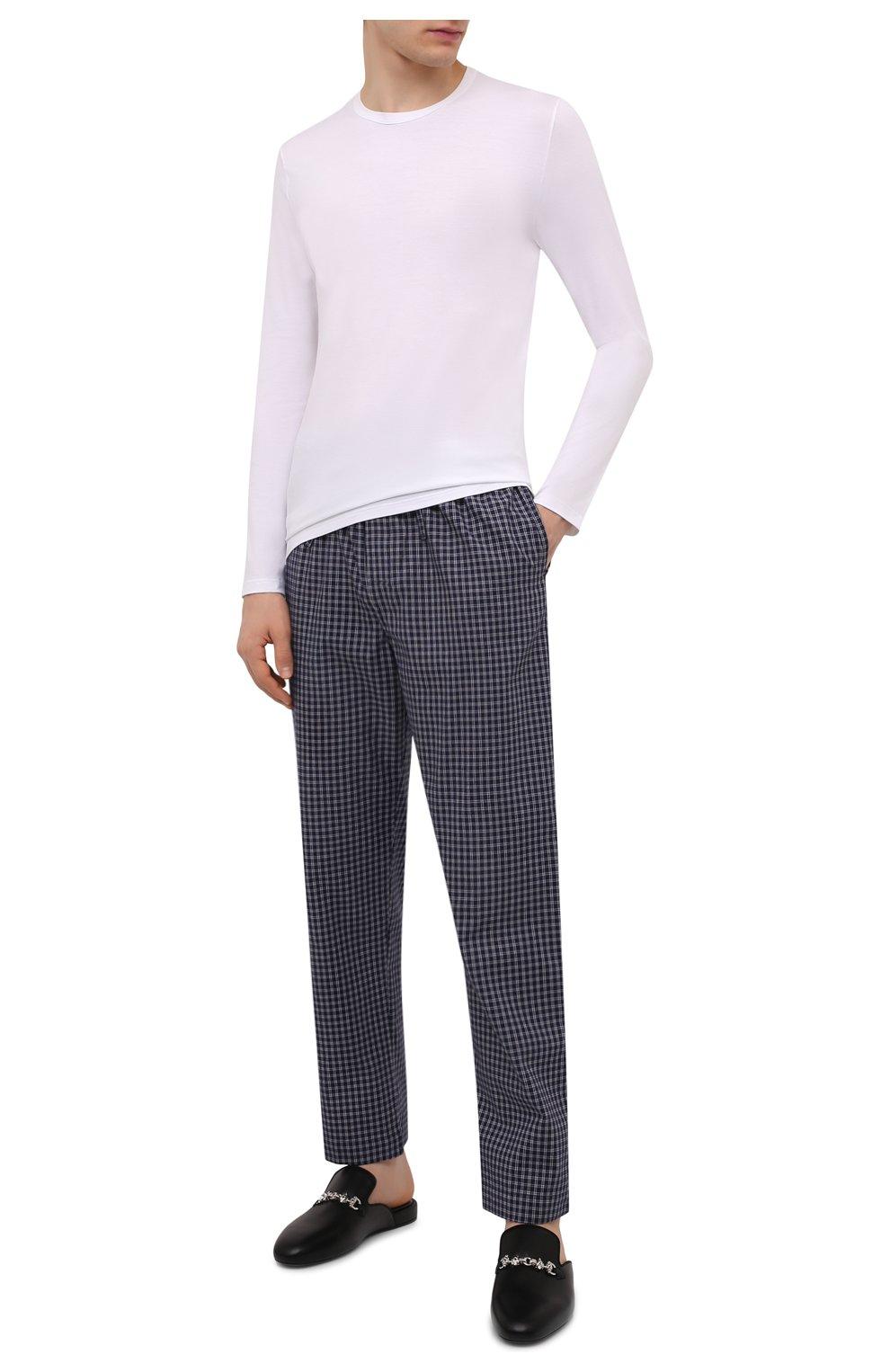 Мужские хлопковые домашние брюки DEREK ROSE темно-синего цвета, арт. 3564-BRAE032 | Фото 2 (Длина (брюки, джинсы): Стандартные; Кросс-КТ: домашняя одежда; Мужское Кросс-КТ: Брюки-белье; Материал внешний: Хлопок; Статус проверки: Проверена категория)