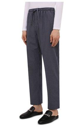 Мужские хлопковые домашние брюки DEREK ROSE темно-синего цвета, арт. 3564-BRAE032 | Фото 3 (Длина (брюки, джинсы): Стандартные; Кросс-КТ: домашняя одежда; Мужское Кросс-КТ: Брюки-белье; Материал внешний: Хлопок; Статус проверки: Проверена категория)