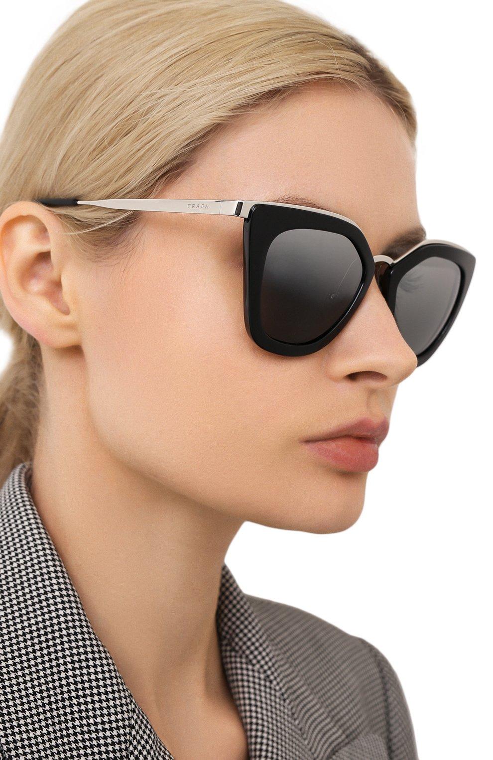 Женские солнцезащитные очки PRADA черного цвета, арт. 53SS-1AB6N2 | Фото 2