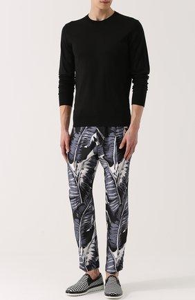Шелковые брюки с принтом Dolce & Gabbana серые | Фото №2